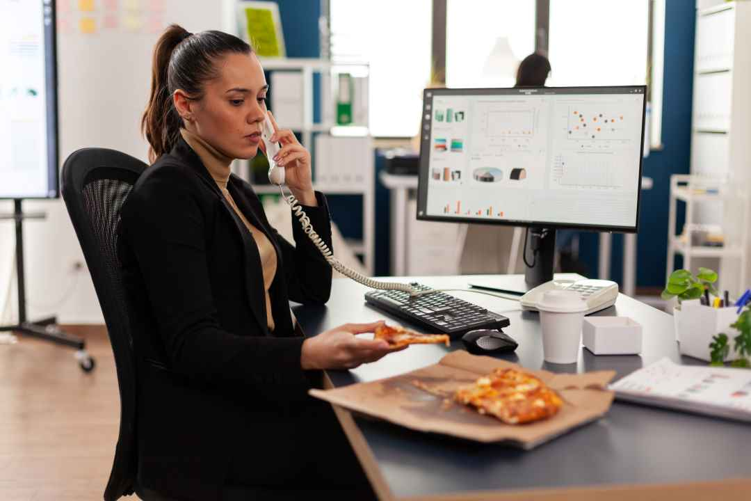 How Does a Call Centre Pizza Company Operate?